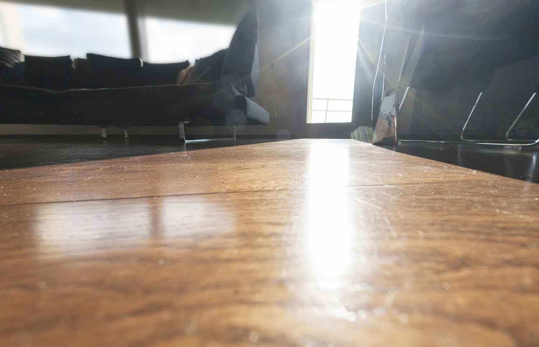 naldi-pavimenti-casa-materiali-in-armonia-soggiorno-con-luce - Naldi ...