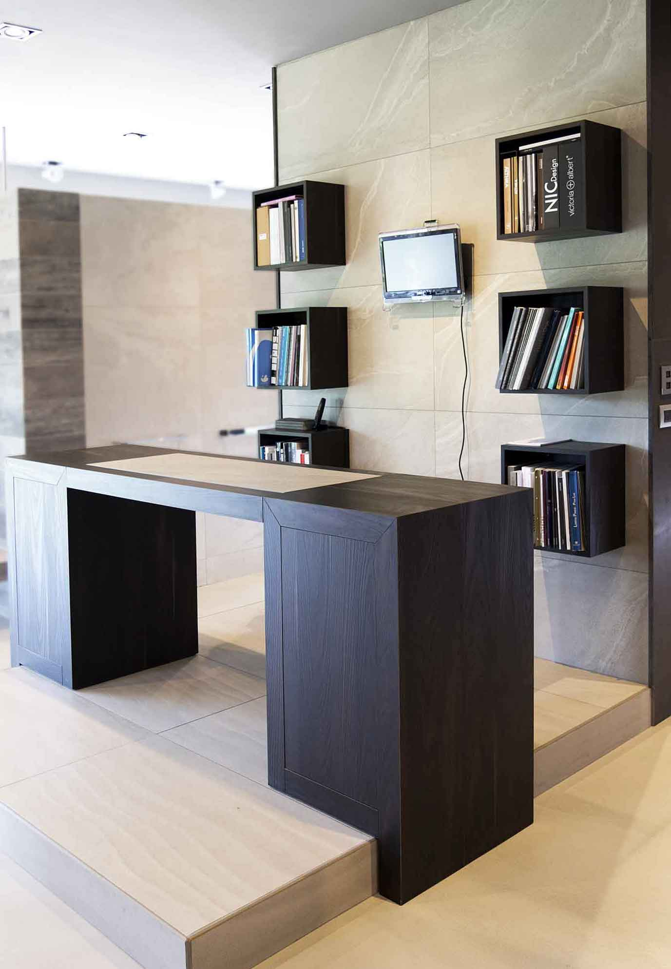Naldi pavimenti, Showroom, Reception